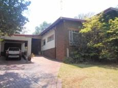4 Bedroom House pending sale in Clubview 1040891 : photo#0