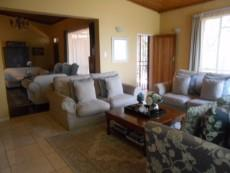 4 Bedroom House pending sale in Clubview 1040891 : photo#6