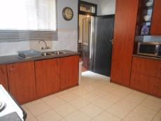 4 Bedroom House pending sale in Clubview 1040891 : photo#1