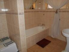 4 Bedroom House pending sale in Clubview 1040891 : photo#14