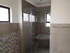 4 Bedroom House for sale in Olympus 1040999 : photo#13