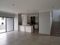 4 Bedroom House for sale in Olympus 1040999 : photo#5
