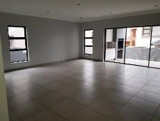 4 Bedroom House for sale in Olympus 1040999 : photo#4