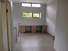 4 Bedroom House for sale in Olympus 1040999 : photo#8