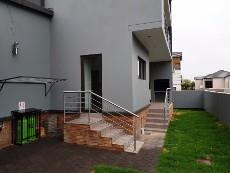 4 Bedroom House for sale in Olympus 1040999 : photo#17