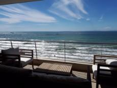3 Bedroom Apartment rented in Mouille Point 1041183 : photo#0