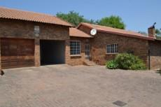 3 Bedroom House to rent in Thatchfield Estate 1041260 : photo#0