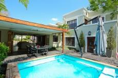 4 Bedroom House for sale in Fourways 1041511 : photo#0