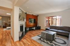 4 Bedroom House for sale in Fourways 1041511 : photo#4