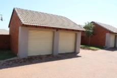 3 Bedroom Townhouse for sale in Mooikloof Ridge 1042477 : photo#5