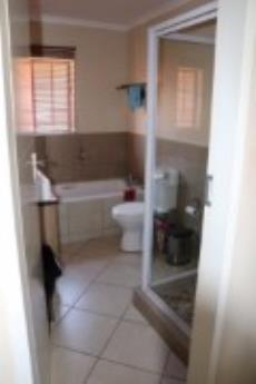 3 Bedroom Townhouse for sale in Mooikloof Ridge 1042477 : photo#15