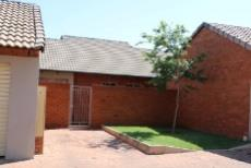 3 Bedroom Townhouse for sale in Mooikloof Ridge 1042477 : photo#4