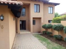 4 Bedroom House for sale in Fourways 1043374 : photo#1
