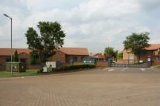 2 Bedroom Townhouse for sale in Mooikloof Ridge 1043461 : photo#0