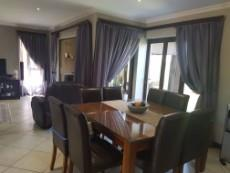 3 Bedroom House for sale in Olympus 1043490 : photo#7