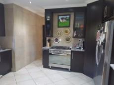 3 Bedroom House for sale in Olympus 1043490 : photo#6