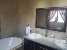 3 Bedroom House for sale in Olympus 1043490 : photo#11