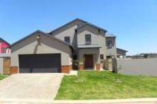 3 Bedroom House for sale in Olympus 1043501 : photo#0