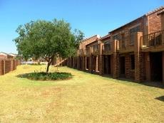 2 Bedroom Townhouse for sale in Mooikloof Ridge 1045505 : photo#2
