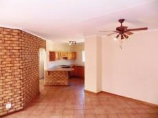 3 Bedroom Townhouse for sale in Clubview 1045821 : photo#8
