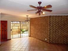 3 Bedroom Townhouse for sale in Clubview 1045821 : photo#7