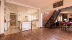 5 Bedroom House for sale in Welgemoed 1046001 : photo#14