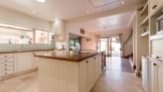 5 Bedroom House for sale in Welgemoed 1046001 : photo#18