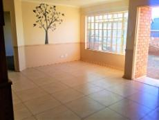 2 Bedroom Townhouse for sale in Langenhovenpark 1046105 : photo#9