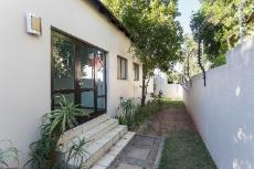 2 Bedroom House for sale in Fourways 1046485 : photo#2