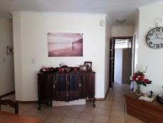 3 Bedroom Townhouse for sale in Langenhovenpark 1047870 : photo#3
