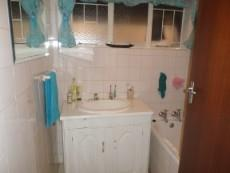 4 Bedroom House for sale in Claremont 1049246 : photo#9