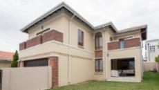 3 Bedroom House for sale in Fourways 1049399 : photo#0