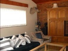 5 Bedroom House for sale in Beyerspark 1049906 : photo#3