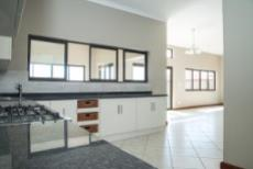 4 Bedroom House for sale in Olympus 1050351 : photo#8