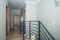 4 Bedroom House for sale in Olympus 1050407 : photo#12