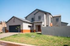 4 Bedroom House for sale in Olympus 1050407 : photo#29