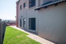 4 Bedroom House for sale in Olympus 1050407 : photo#24