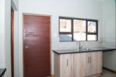4 Bedroom House for sale in Olympus 1050407 : photo#6