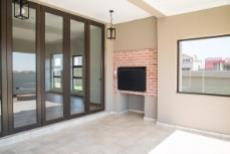 4 Bedroom House for sale in Olympus 1050407 : photo#26