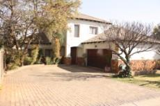 4 Bedroom House for sale in Olympus 1050448 : photo#0