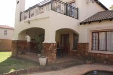 4 Bedroom House for sale in Olympus 1050448 : photo#21