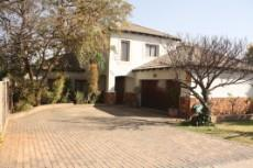 4 Bedroom House for sale in Olympus 1050448 : photo#22