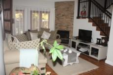 4 Bedroom House for sale in Olympus 1050448 : photo#1