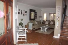 4 Bedroom House for sale in Olympus 1050448 : photo#11