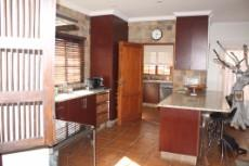 4 Bedroom House for sale in Olympus 1050448 : photo#7