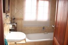 4 Bedroom House for sale in Olympus 1050448 : photo#15