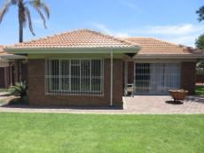 3 Bedroom House for sale in Garsfontein 1050765 : photo#12