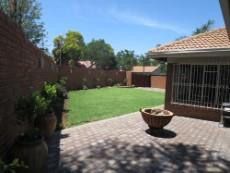 3 Bedroom House for sale in Garsfontein 1050765 : photo#13