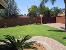 3 Bedroom House for sale in Garsfontein 1050765 : photo#11
