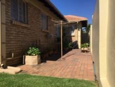 3 Bedroom Townhouse pending sale in Eldoraigne 1051209 : photo#24